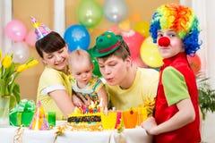 Γενέθλια εορτασμού κοριτσάκι Στοκ Εικόνες