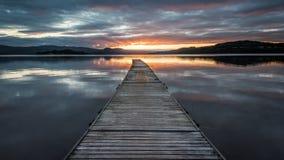 Πρώτες ακτίνες του φωτός στη λίμνη Lomond Στοκ Εικόνες