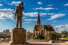 Πρώτες της Ναμίμπια μνημείο Προέδρου και εκκλησία Luteran Χριστός στο τ στοκ εικόνες με δικαίωμα ελεύθερης χρήσης