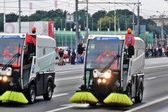 Πρώτη παρέλαση της Μόσχας της μεταφοράς πόλεων Καθαρίζοντας μηχανές Στοκ εικόνες με δικαίωμα ελεύθερης χρήσης