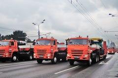 Πρώτη παρέλαση της Μόσχας της μεταφοράς πόλεων Φορτηγά απορριμάτων Στοκ εικόνες με δικαίωμα ελεύθερης χρήσης