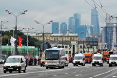 Πρώτη παρέλαση της Μόσχας της μεταφοράς πόλεων Εμπορικό κέντρο moskva-πόλεων Στοκ Εικόνα