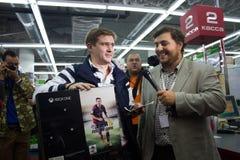 Πρώτος αγοραστής XBOX ΈΝΑ στη Ρωσία Στοκ Φωτογραφία