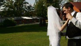Πρώτος γαμήλιος χορός χορού παντρεμένου ζευγαριού απόθεμα βίντεο