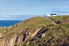Πρώτο και τελευταίο τέλος Κορνουάλλη UK εδάφους ` s σπιτιών το πιό δυτικό σημείο της Αγγλίας στη χερσόνησο Penwith Στοκ εικόνες με δικαίωμα ελεύθερης χρήσης