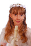 πρώτο κορίτσι κοινωνίας που πηγαίνει ιερό Στοκ Εικόνες