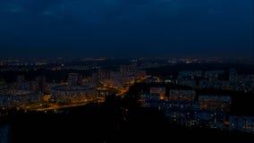 Πτήση πέρα από την πόλη νύχτας απόθεμα βίντεο