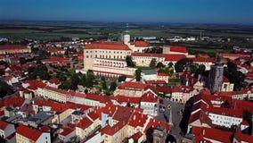 Πτήση πέρα από την πόλη Mikulov, νότια Μοραβία, Δημοκρατία της Τσεχίας φιλμ μικρού μήκους