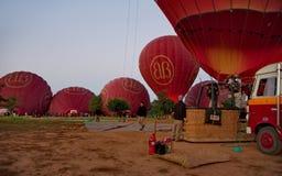 Πτήση πέρα από το αρχαίο Bagan Στοκ φωτογραφίες με δικαίωμα ελεύθερης χρήσης