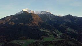 Πτήση χρονικού σφάλματος πέρα από Berchtesgaden, Γερμανία απόθεμα βίντεο