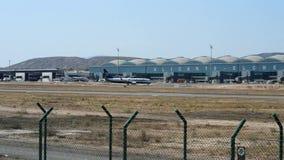 Πτήση Ryanair στον αερολιμένα της Αλικάντε απόθεμα βίντεο