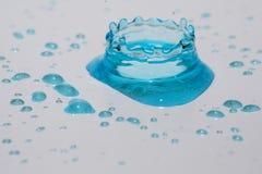 Πτώσεις και παφλασμός νερού Στοκ Εικόνες