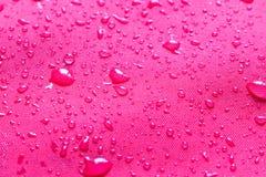 Πτώσεις νερού στο αδιάβροχο ύφασμα Εκλεκτική εστίαση στοκ φωτογραφίες με δικαίωμα ελεύθερης χρήσης