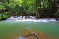 Πτώσεις νερού khamin της Hua mea στο εθνικό πάρκο Erawan, Kanchanabur Στοκ εικόνα με δικαίωμα ελεύθερης χρήσης