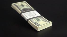 Πτώσεις χρημάτων στην επιφάνεια φιλμ μικρού μήκους