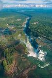 Πτώσεις Iguazu σε μια νεφελώδη ημέρα Στοκ φωτογραφία με δικαίωμα ελεύθερης χρήσης