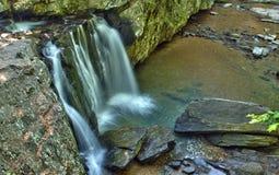 Πτώσεις Kilgore στο κρατικό πάρκο βράχων, Μέρυλαντ Στοκ φωτογραφία με δικαίωμα ελεύθερης χρήσης