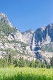 Πτώσεις Yosemite στην κοιλάδα Yosemite Στοκ φωτογραφία με δικαίωμα ελεύθερης χρήσης