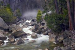 Πτώσεις Yosemite στοκ φωτογραφία με δικαίωμα ελεύθερης χρήσης