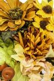 Πτώση και χρωματισμένο φθινόπωρο λουλούδι Arrangment Στοκ Εικόνα