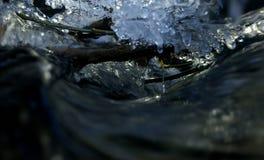 Πτώση ρευμάτων και πάγου και νερού Στοκ Φωτογραφίες