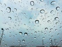 Πτώση της βροχής Στοκ εικόνα με δικαίωμα ελεύθερης χρήσης
