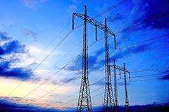 πυλώνας γραμμών ηλεκτρική&s Στοκ Εικόνα