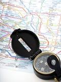 Πυξίδα σε έναν χάρτη που ταξιδεύει στην Ιαπωνία στοκ φωτογραφία