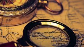 Πυξίδα στο χάρτη απόθεμα βίντεο