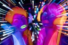 Πυράκτωσης UV νέου προκλητική κούκλα cyber disco θηλυκή Στοκ Εικόνες