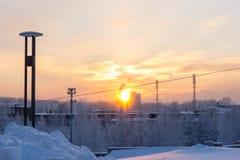 Πυράκτωση χειμερινού ηλιοβασιλέματος στην πόλη Στοκ φωτογραφία με δικαίωμα ελεύθερης χρήσης