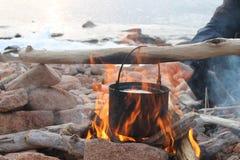 Πυρά προσκόπων και δοχείο Στοκ εικόνες με δικαίωμα ελεύθερης χρήσης