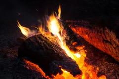 Πυρά προσκόπων νύχτας Στοκ φωτογραφία με δικαίωμα ελεύθερης χρήσης