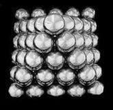 Πυραμίδα των σφαιρών καθρεφτών στοκ εικόνες με δικαίωμα ελεύθερης χρήσης
