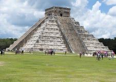 Πυραμίδα EL Castillo σε Chichen Itza Στοκ Φωτογραφίες