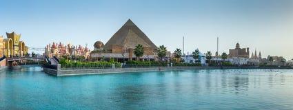 Πυραμίδες περίπτερων της Αιγύπτου στο κέντρο Glob ψυχαγωγίας πάρκων στοκ φωτογραφίες με δικαίωμα ελεύθερης χρήσης