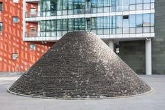 Πυραμίδα των τούβλων στην οδό, στην πόλη του Μπιλμπάο Ισπανία Στοκ Εικόνες