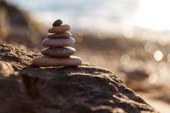 Πυραμίδα των χαλικιών στην παραλία, Στοκ εικόνες με δικαίωμα ελεύθερης χρήσης