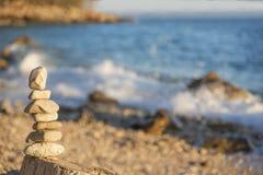 Πυραμίδα των χαλικιών στην παραλία Στοκ Φωτογραφία
