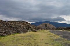πυραμίδα φεγγαριών teotihuacan teotihuacan Στοκ Φωτογραφία