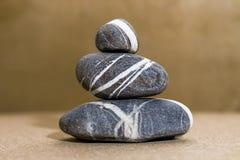 Πυραμίδα χαλικιών πετρών θάλασσας Στοκ εικόνα με δικαίωμα ελεύθερης χρήσης