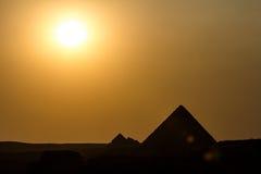 Πυραμίδες κάτω από τον ήλιο Στοκ Εικόνες