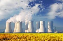 Πυρηνικός σταθμός στοκ φωτογραφίες
