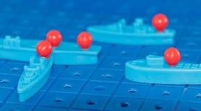 Πυρηνικό υποβρύχιο παιχνιδιών ένα πυρηνικό βλήμα που περιβάλλεται με από το enemi Στοκ εικόνες με δικαίωμα ελεύθερης χρήσης
