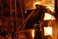 Πυρκαγιά/κάψιμο/πυροσβέστες/πυρκαγιά, άνθρωποι στην πυρκαγιά Στοκ Εικόνες