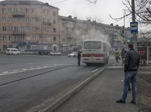 Πυρκαγιά λεωφορείων στο busstop Στοκ εικόνα με δικαίωμα ελεύθερης χρήσης