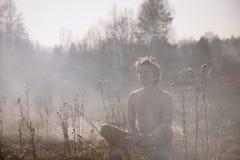 πυρκαγιά Πυρκαγιά Παγκόσμια αύξηση της θερμοκρασίας λόγω του φαινομένου του θερμοκηπίου, περιβαλλοντική καταστροφή Conce Στοκ εικόνα με δικαίωμα ελεύθερης χρήσης