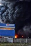 Πυρκαγιά στη βιομηχανική ζώνη Στοκ Εικόνες