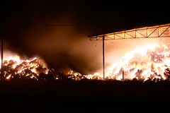 Πυρκαγιά στη σιταποθήκη Στοκ Εικόνες