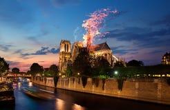 Πυρκαγιά στη Notre Dame στοκ φωτογραφία